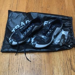 Women's Nike track shoes. Size 5